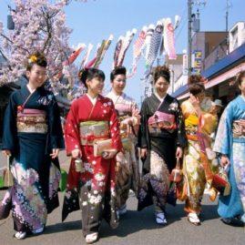 Japanreisen, Münchina, Kimono, Kirschblüten, Frühjahr
